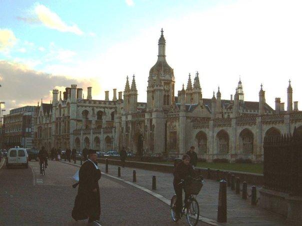 Don_Crossing_Kings_Parade@Cambridge