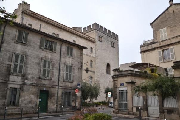 la torre maschio della Livrée Ceccano ad Avignone